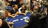 το τραπέζι στο οποίο παίχτηκαν εκατοντάδες χιλιάδες ευρώ